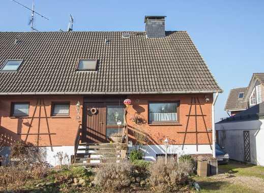 großzügige Doppelhaushälfte auf schönem Grundstück in ruhiger Lage bei Plön