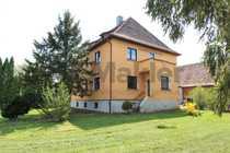 Bild Freistehendes Zweifamilienhaus mit großem Grundstück! Auch für Bauträger interessant!