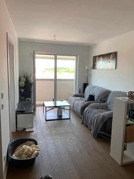 Ruhige, neuw. 2-Zimmer-Whg.  mit Balkon in Markt Schwaben/direkt an SB in Markt Schwaben