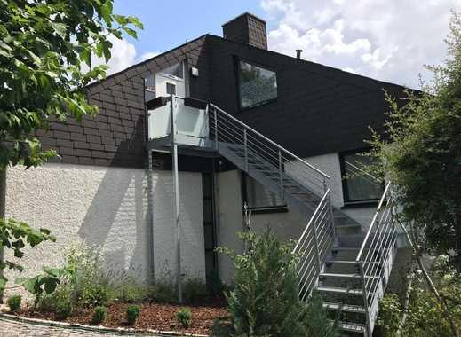Schöne große helle  2-Zimmer-Dachgeschosswohnung mit Balkon und Einbauküche in Hilpoltstein
