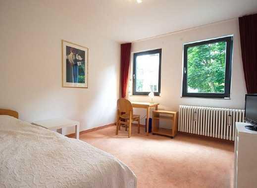 Helles, freundliches und ruhiges Zimmer für Wochenendpendler/-in