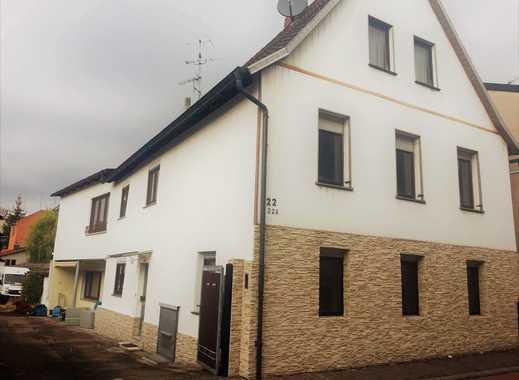 Vollständig renovierte 3-Zimmer-Wohnung mit Balkon und EBK in Bergstraße (Kreis)