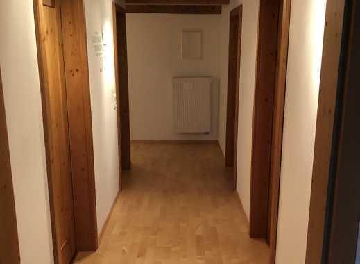Sanierte 3-Zimmer-DG-Wohnung mit Balkon und EBK in Egling/Dettenhausen