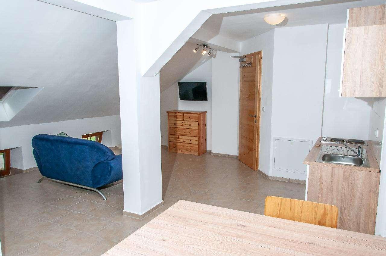 Gepflegtes voll möbliertes Appartement für Jedermann zw. Mühldorf und Altötting in Polling (Mühldorf am Inn)