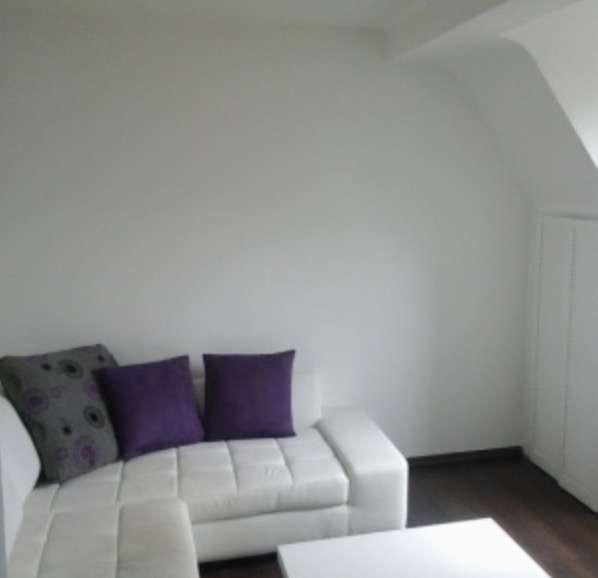 Moderne 1,5-Zimmer-Maisonette-Wohnung (als WG) mit eigenem Bad und gemeinschaftlicher Küche. in St. Jobst (Nürnberg)