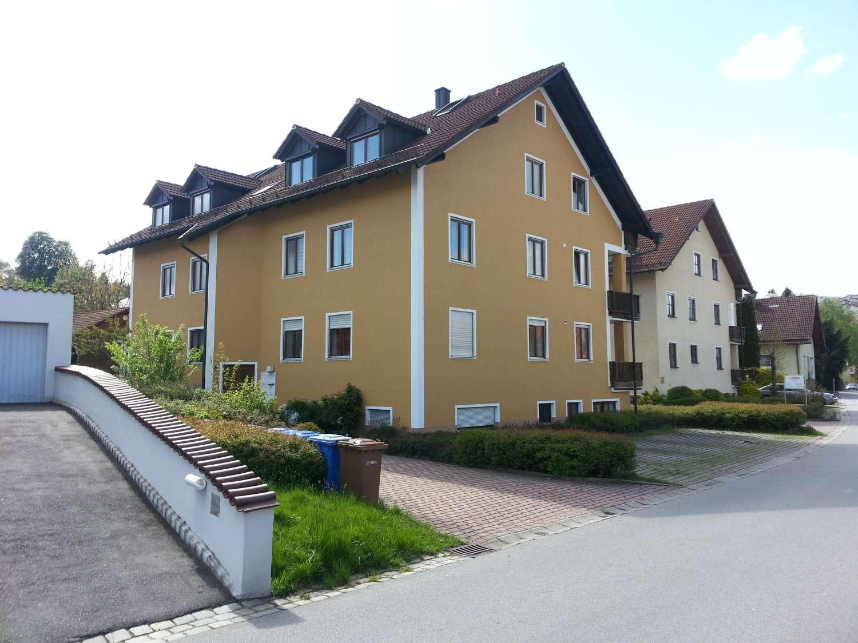 schöne, helle 3-Zimmer Dachgeschosswohnung über 2 Etagen in Vilshofen an der Donau in Vilshofen an der Donau