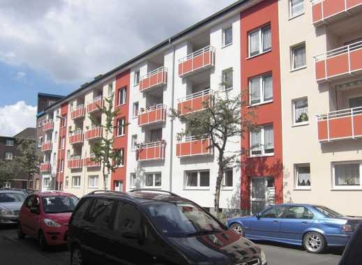 TOP SANIERT: tolle 3-Zimmer Wohnung mit modernem Laminatboden und Sonnenbalkon