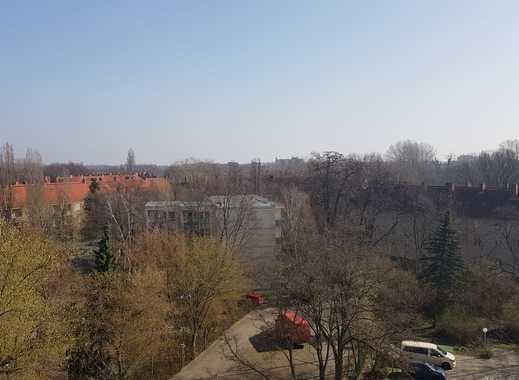 Zentrale Lage mit sonniger Dachterrasse und eigenem Parkplatz