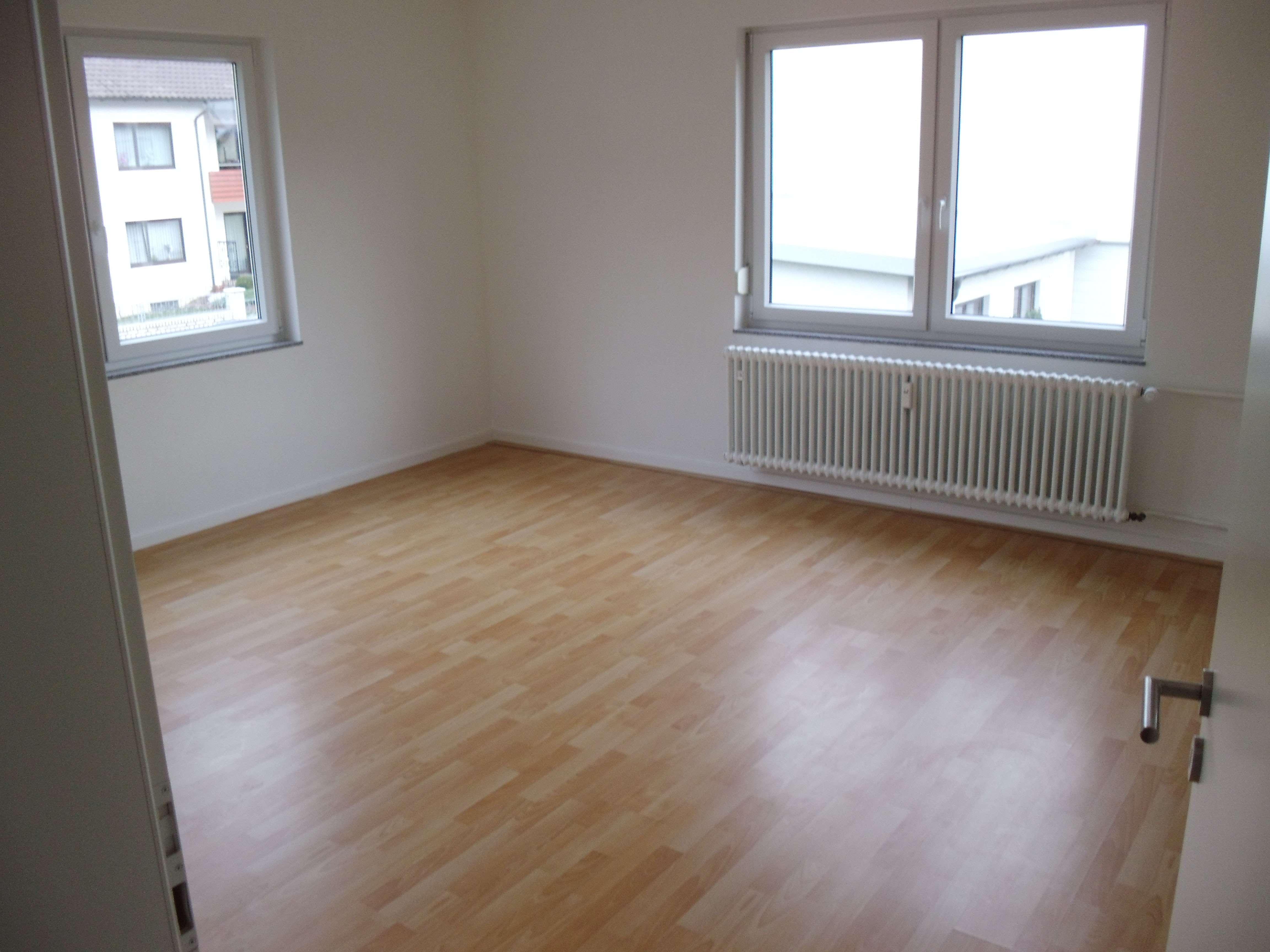 Schöne 4-Zimmer-Wohnung (1. OG) in Kleinheubach, Kreis Miltenberg in