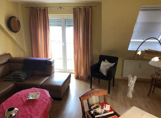Gepflegte 4,5 Zimmer-Maisonette-Wohnung mit Balkon und EBK in Hattersheim am Main