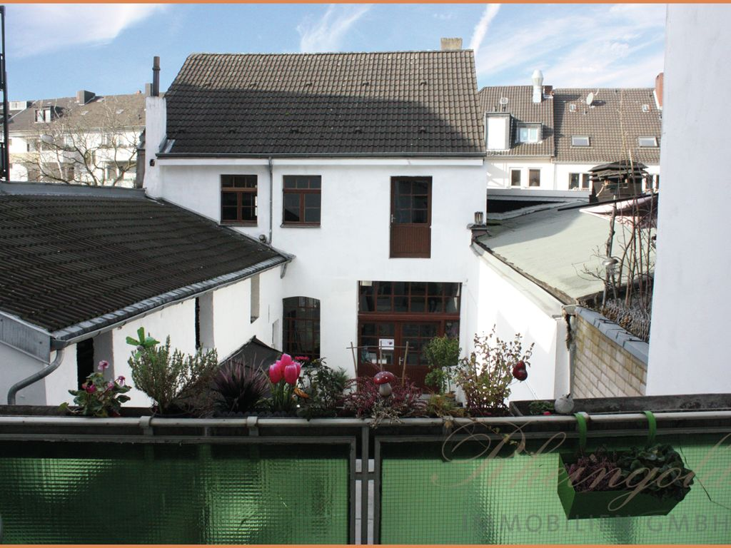 Ausblick Balkon Hinterhaus und