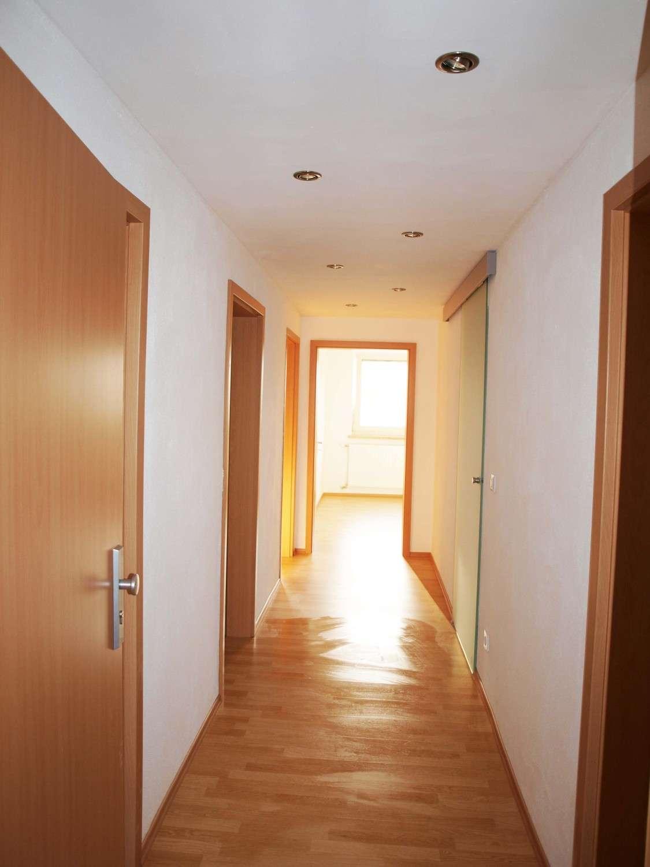 ruhig gelegene, helle, neu sanierte, moderne DG Wohnung in Lappersdorf