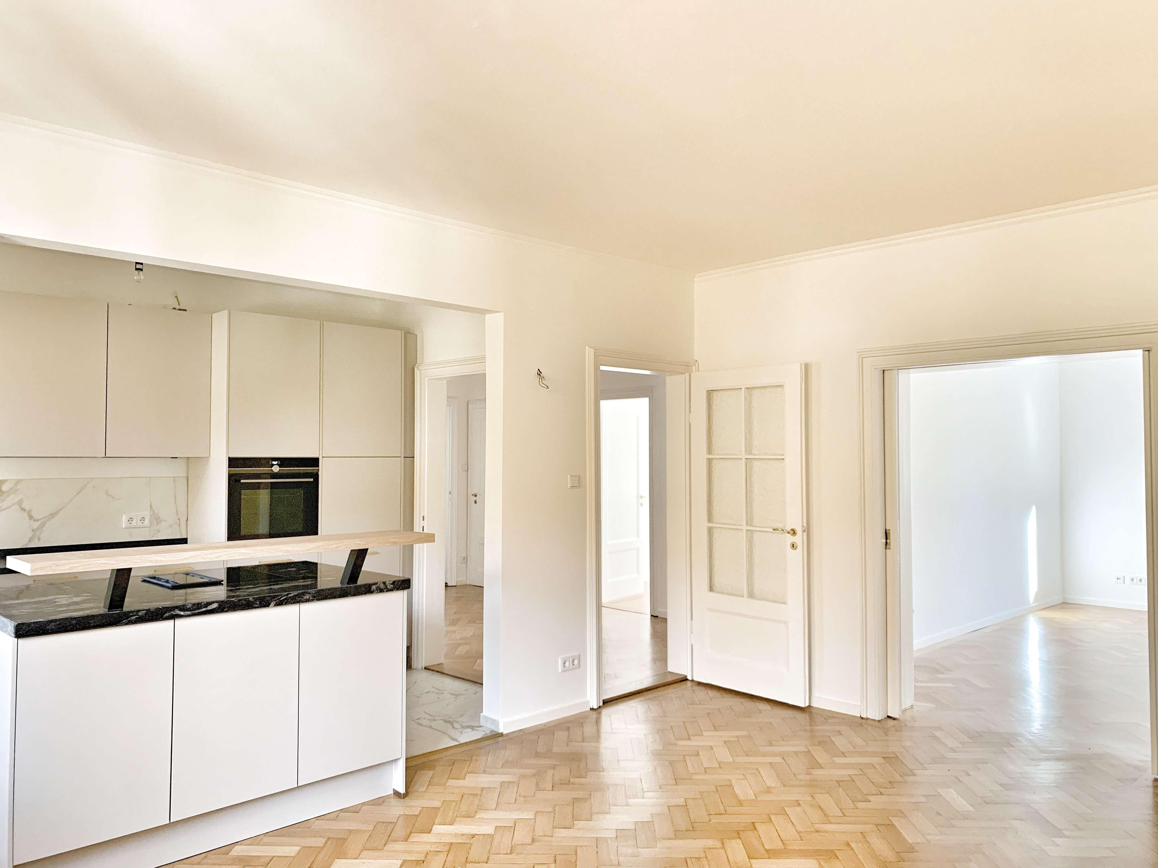 Exklusive Wohnung im Herzogpark - 4 Zimmer Erstbezug nach Sanierung mit offener Wohnküche und Balkon in Bogenhausen (München)