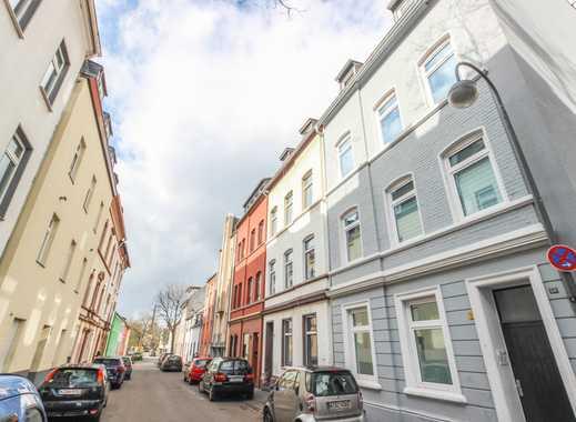 REUTER IMMOBILIEN Anlageobjekt: Modernisiertes Acht-Parteienhaus in ruhiger Wohnlage in Mülheim