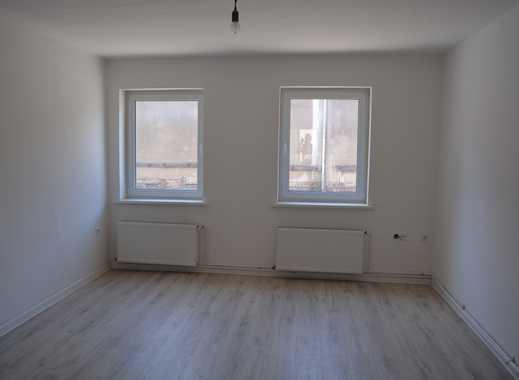Erstbezug nach Sanierung,guter Schnitt,moderne und schöne Ausstattung,Laminat,Isolierglasfenster