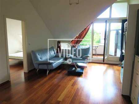 Schöne möblierte 2-Zimmer-Dachgeschoss-Wohnung in toller Lage mit Balkon in Trudering (München)