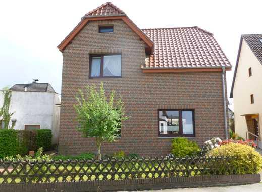 Preiswerte und geräumige 2-Zimmer-Wohnung zur Miete in Bremen-Burgdamm