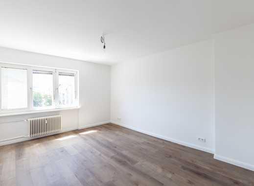 Neu sanierte 2 Zimmerwohnung mit Küche und Bad - WG-geeignet (VH 5. OG rechts)