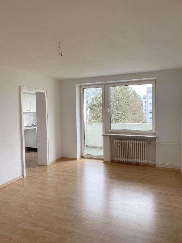 Sonnige 2 Zimmer Wohnung mit großer Loggia in Nordwest