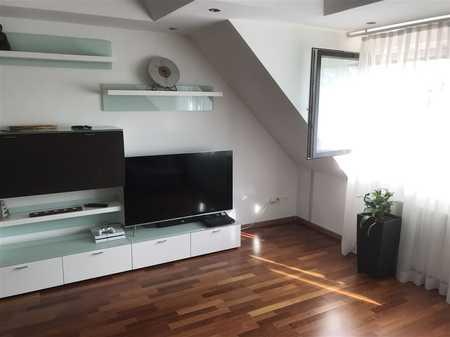 Exklusiv ausgestattete 4-Zimmer- Maisonette-Wohnung, inkl. Stellplatz, S-Bahn-Nähe! in Schwarzenbruck