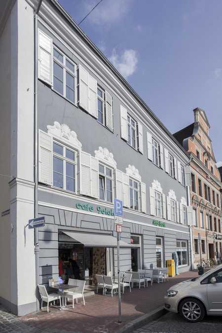 Denkmalgeschützte Altbauwohnung in gehobener Ausstattung in Altstadt (Landshut)