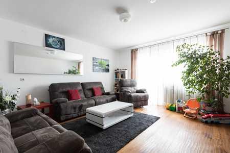 Ruhige 3-Zimmer-Wohnung mit Südbalkon, Einzelgarage, Keller und Einbauküche in Oberhaunstadt (Ingolstadt)