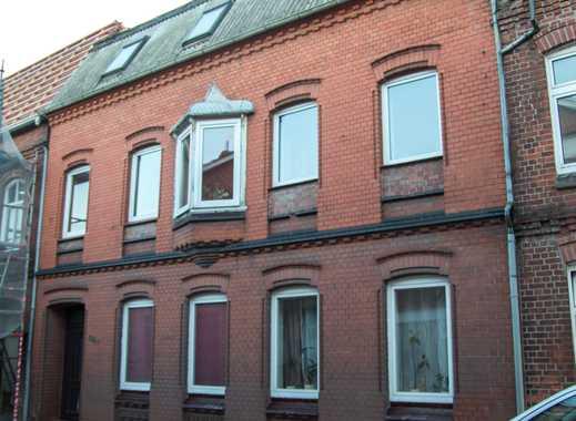 25361 Krempe - Zweifamilienhaus in zentraler Wohnlage von Krempe!