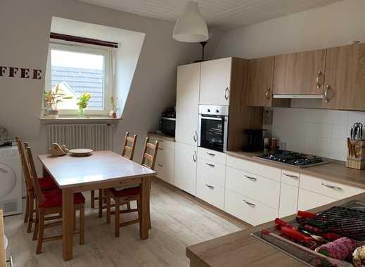 Helle und freundliche Dachgeschosswohnung in gepfl. 6 Familienhaus- 3. Etage in ruhiger Lage!