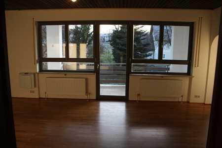 Ruhige, alleinstehende 6 Zimmer Wohnung mit Gartennutzung und Garage in Schweitenkirchen