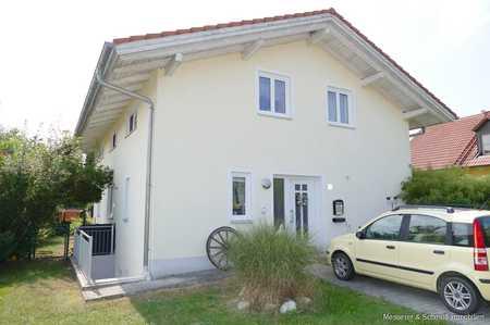 Möbliertes Zimmer in schönem Einfamilienhaus mit privatem Balkon! in Vilsheim