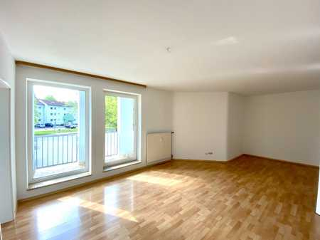 Schöne 3-Zimmer-Wohnung mit Balkon in kleiner Wohnanlage inkl. Zuzahlung zu ihrer Wunschküche in Wüstenahorn (Coburg)