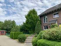 Familienfreundliche Doppelhaushälfte in Düsseldorf Einbrungen