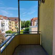 3-Zi -Mietwohnung mit Balkon 2 OG