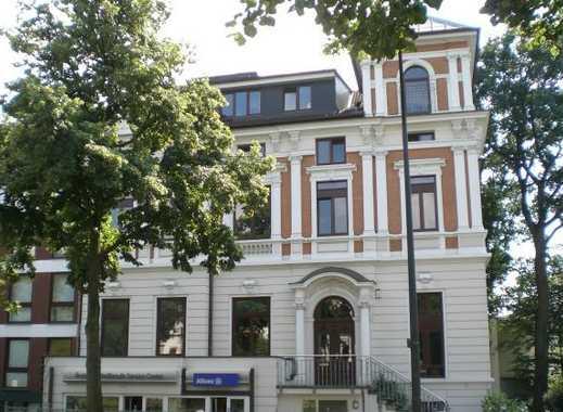 HOLLERALLEE: Große 3-Zi.-Wohnung mit Balkon