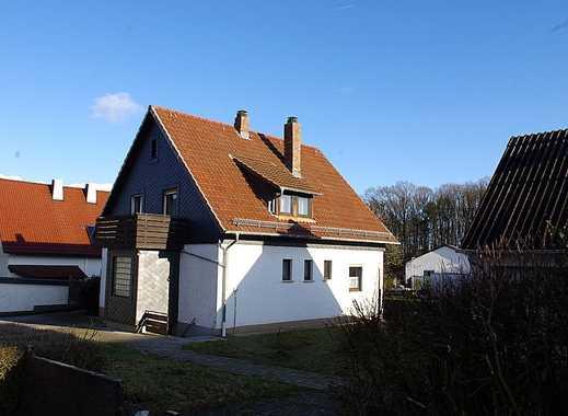 Gemütliches Einfamilienhaus mit Garage, Gewächshaus und Nebengebäude im Stadtbusbereich von Coburg