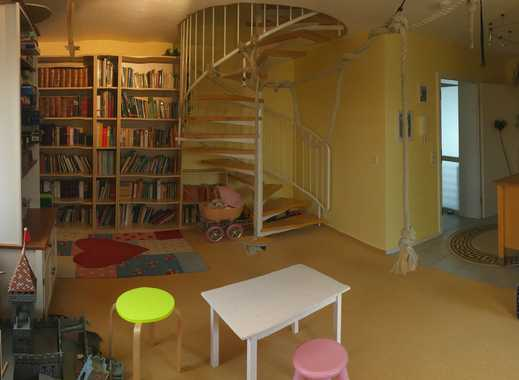 Freundliche, modernisierte 3-Zimmer-Dachgeschosswohnung mit gehobener Innenausstattung in Netphen