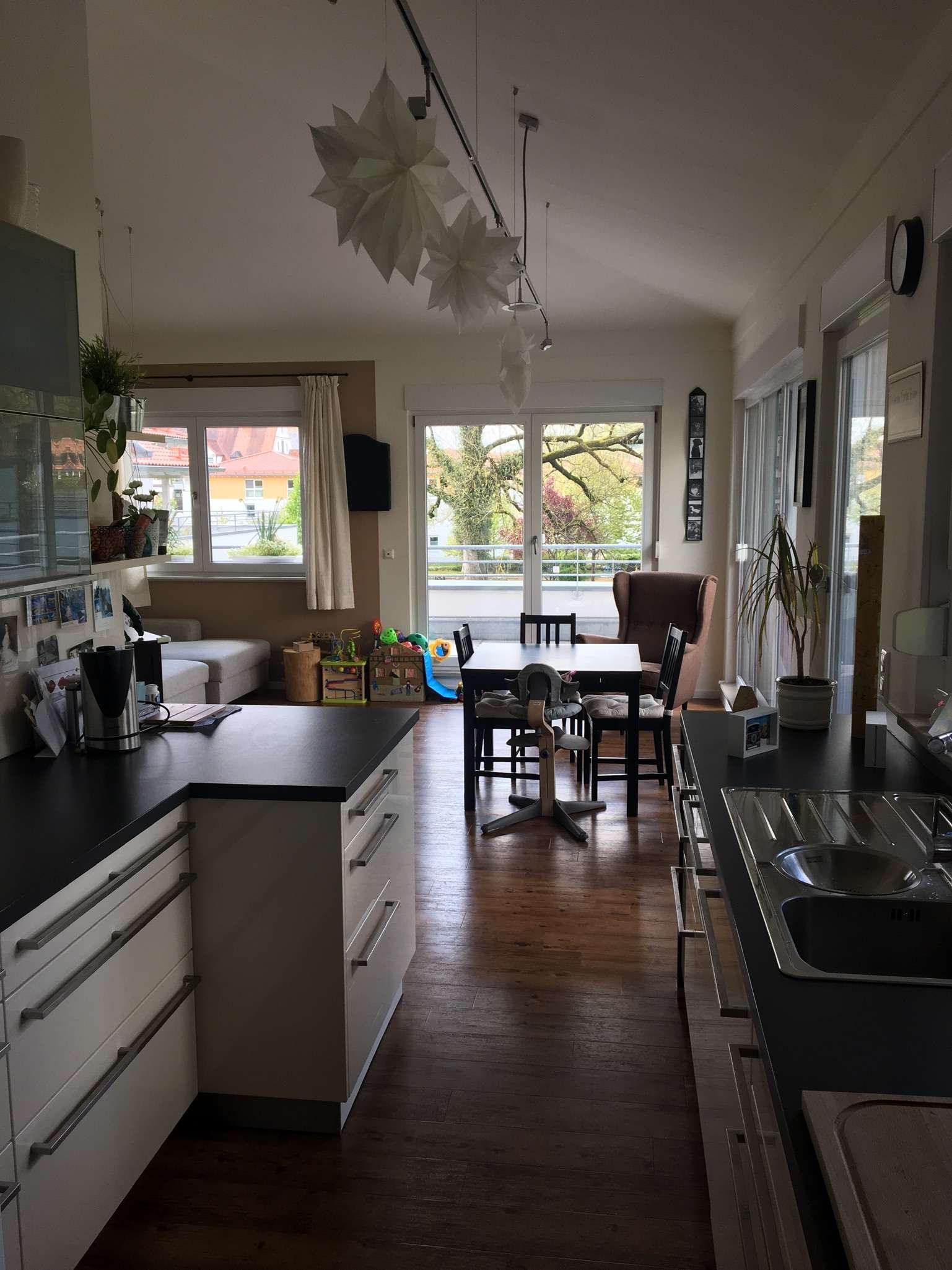 1.100 €, 111 m², 4 Zimmer