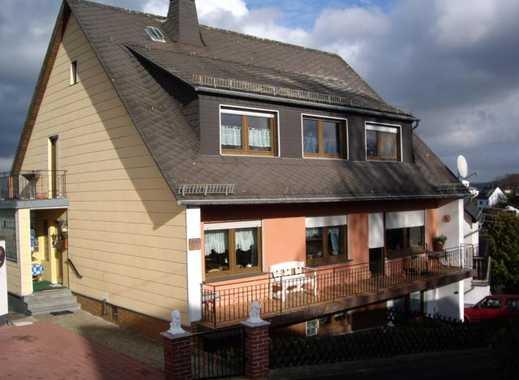 Günstige, modernisierte 3-Zimmer-DG-Wohnung mit Balkon in Boppard-Holzfeld