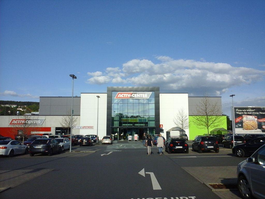 Activ-Center Eingang 1