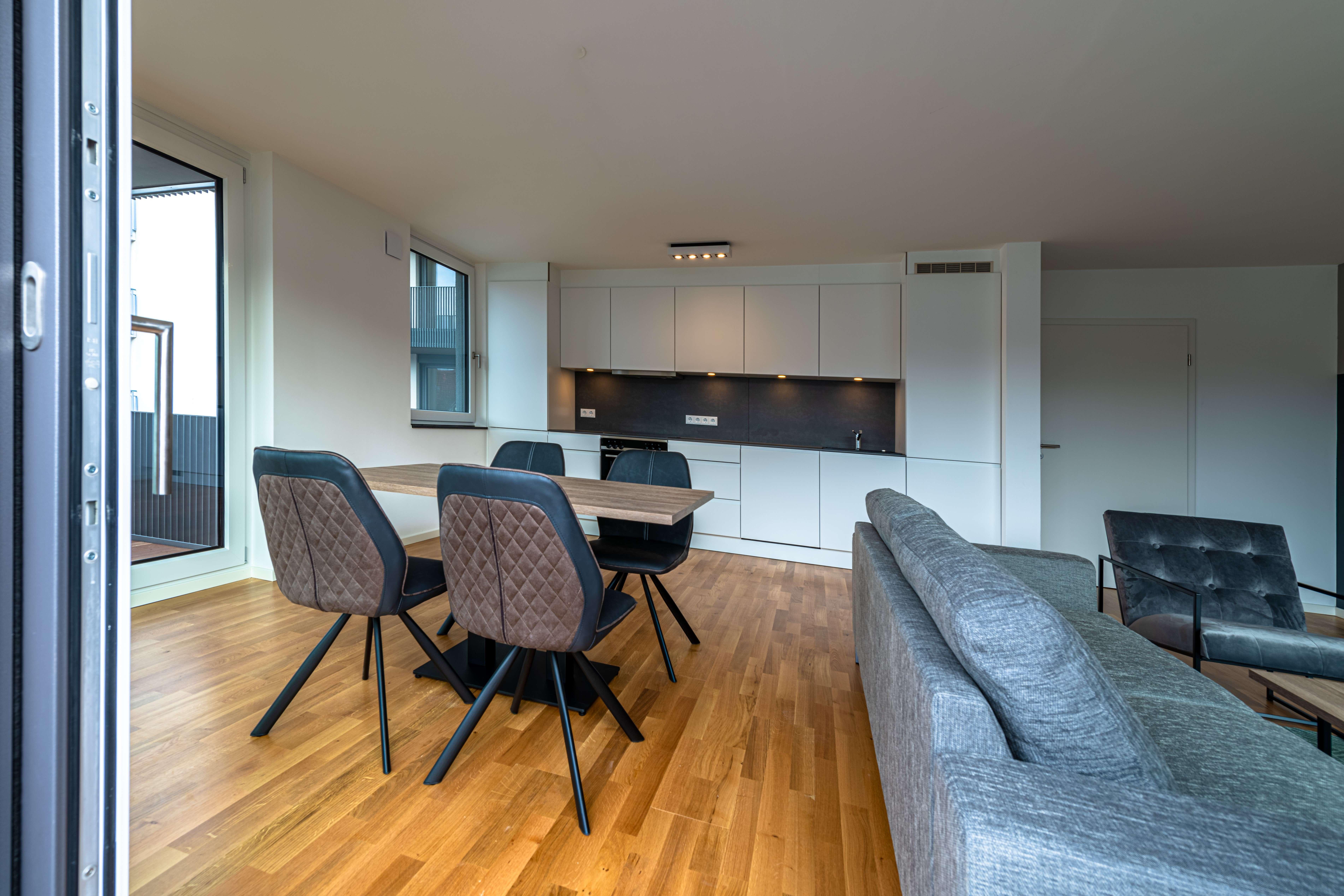 Wunderschöne helle Neubau 2-Zimmer -Wohnung möbliert in München-Neuhausen in Neuhausen (München)