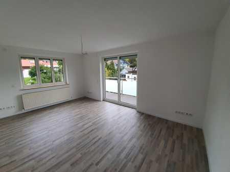helle 5-Zimmer-Wohnung mit Balkon und Garten in Deggendorf in Deggendorf