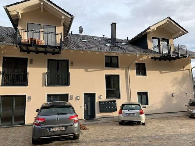 EXKLUSIVER NEUBAU! GESCHMACKVOLLE 4-ZIMMER-WOHNUNG MIT TERRASSE/ GARTEN UND LIFT IM HAUSE! BESTLAGE! in Eurasburg (Bad Tölz-Wolfratshausen)