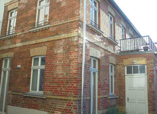 exkl. Doppelhaushälfte mitten in Lpz -Lindenau ,ruhige Lage mit gr.Terasse,Parkett,Fußbodenhzg.G-WC