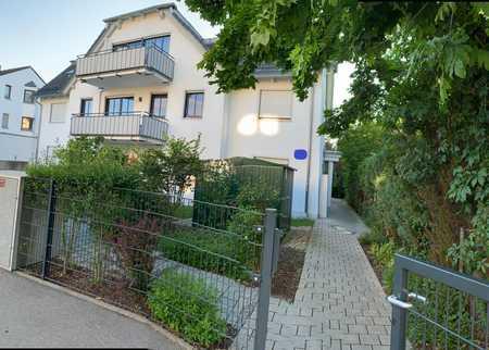 Luxuriöse, 3 Zimmer Whg am Park mit umgebendem Privatgarten; Erstbezug vom Eigentümer in Trudering (München)