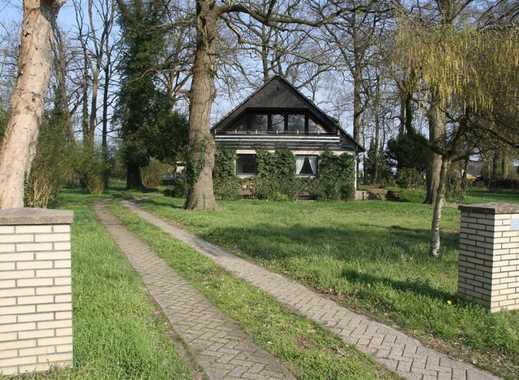 Idyllisch gelegenes 8-Zimmer-EFH mit ELW und 2 EBK - beheizb. Vollkeller+Doppelgarage+großer Garten