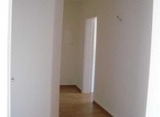 Schöne drei Zimmer DG-Wohnung in Oberhausen, Lirich-Nord