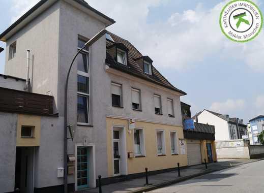 Mehrfamilienhaus mit Gewerbe im Zentrum von Velbert!