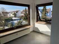 Vollständig renovierte 2-Zimmer-Dachgeschosswohnung mit Einbauküche