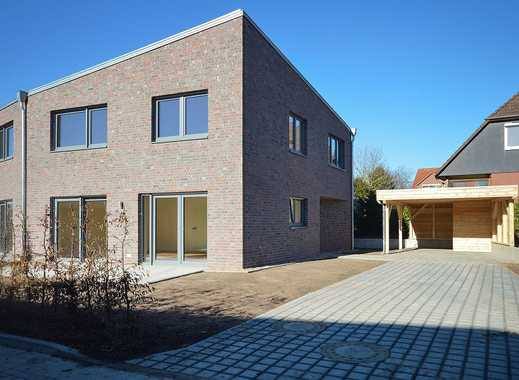 Erstbezug: Moderne Doppelhaushälfte