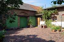 Idyllisches Bauernhaus mit Innenhof Scheune
